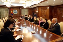 Chairman M.Enkhbold meets Czech parliamentary delegation headed by Zuzka Bebarova-Rujbrova